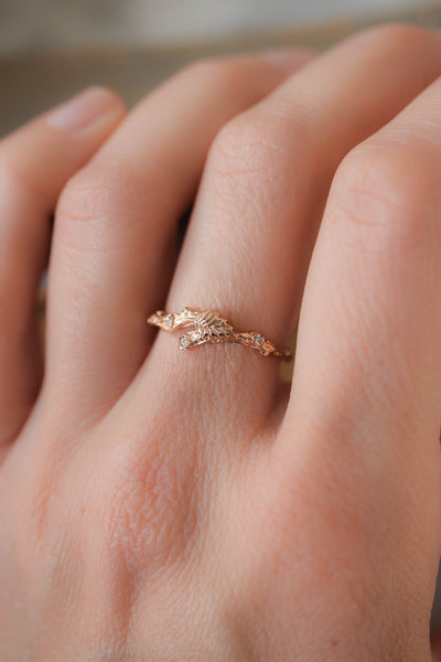 Twig ring with diamonds and one leaf, branch wedding band - Eden Garden Jewelry™