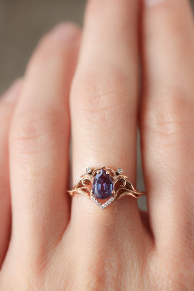 Pear cut alexandrite and diamonds engagement ring / Lida - Eden Garden Jewelry™