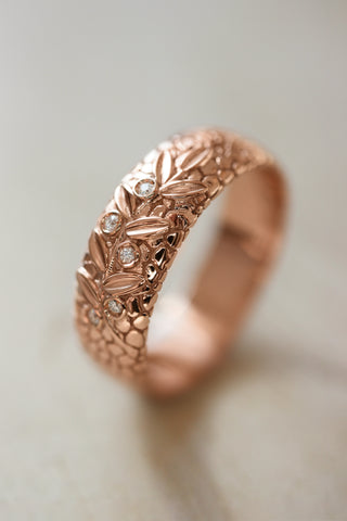 Textured wedding band with olive branch and diamonds - Eden Garden Jewelry™