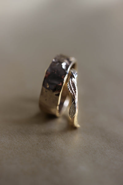Rustic wedding bands set, gold nature rings for man and woman