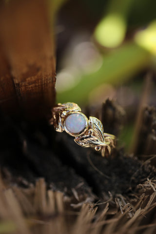 Round opal engagement ring, leaves band / Cornus - Eden Garden Jewelry™