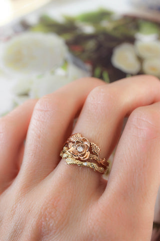 Bridal ring set with rose flower and diamonds