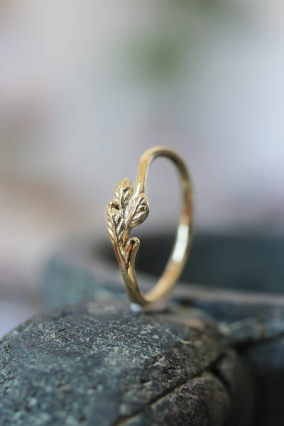 Dainty twig wedding band, solid gold ring - Eden Garden Jewelry