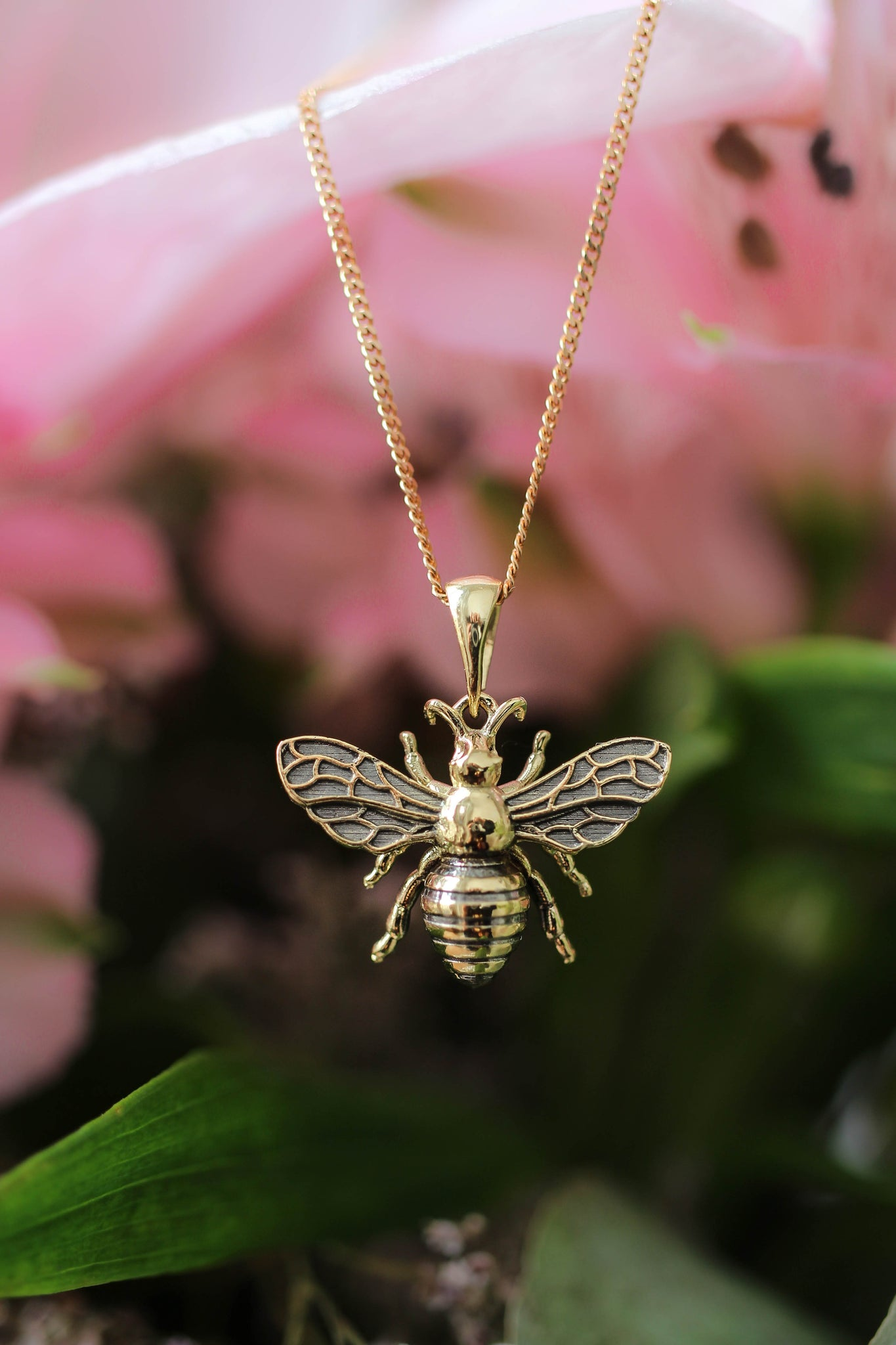 Gold bee pendant - Eden Garden Jewelry™
