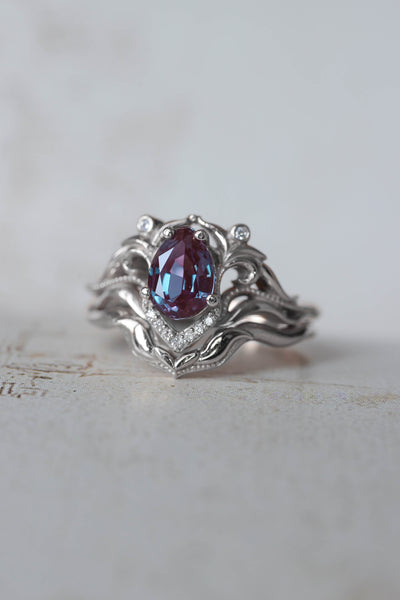 Bridal ring set with alexandrite and diamonds / Lida - Eden Garden Jewelry