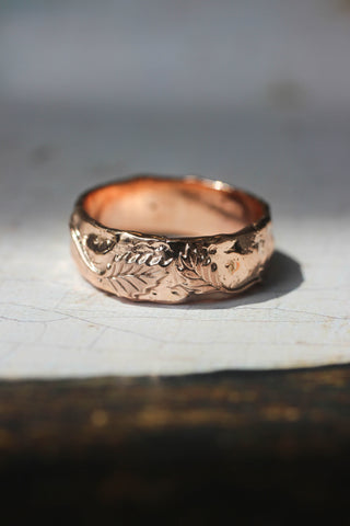 Textured ring with two leaves, man's wedding band - Eden Garden Jewelry