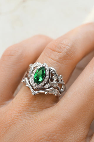 Bridal ring set with lab emerald and diamond halo / Callisto - Eden Garden Jewelry