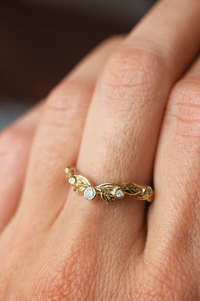 Wreath wedding band, leaf ring with diamonds or moissanites - Eden Garden Jewelry