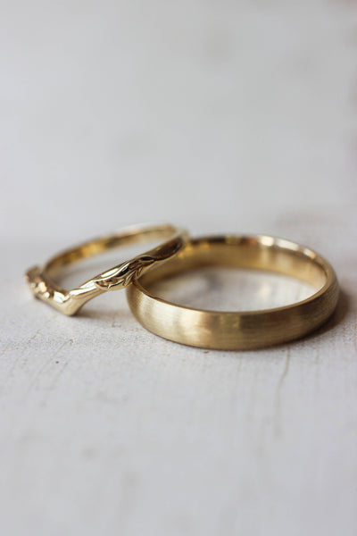 Wedding bands set for couple: satin band for him, Wisteria band for her - Eden Garden Jewelry™