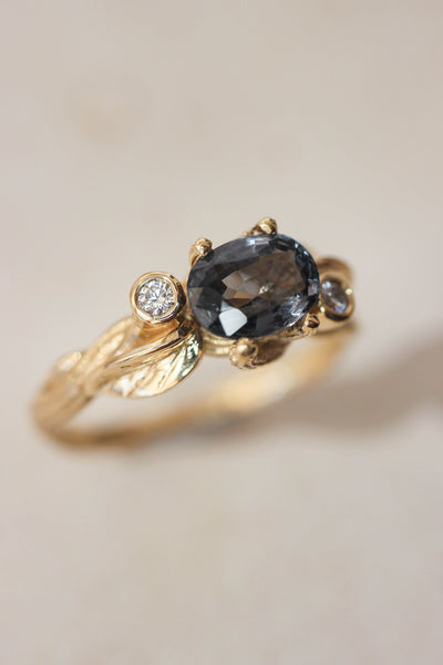 Branch engagement ring with grey spinel and diamonds / Arius