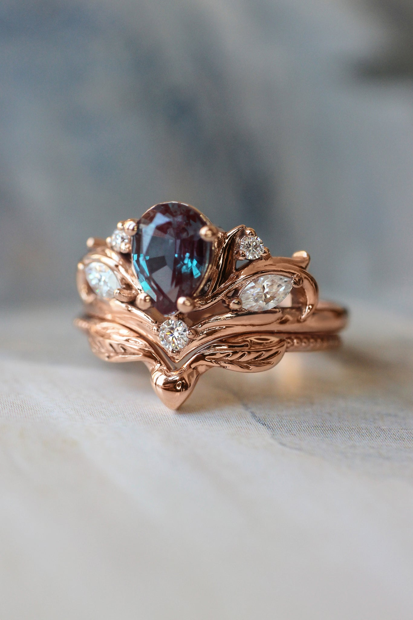 Bridal ring set with pear cut alexandrite / Swanlake - Eden Garden Jewelry