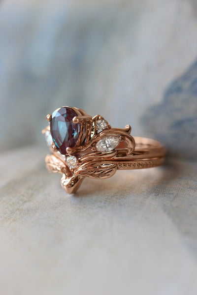 Bridal ring set with pear cut alexandrite / Swanlake - Eden Garden Jewelry™