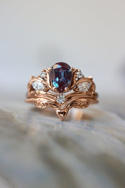 Engagement ring with pear cut alexandrite, without matching band / Swanlake - Eden Garden Jewelry™