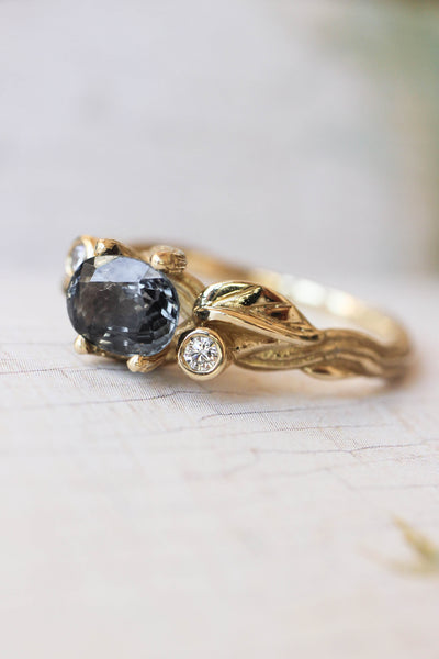 Bridal ring set with grey spinel and diamonds / Arius - Eden Garden Jewelry™