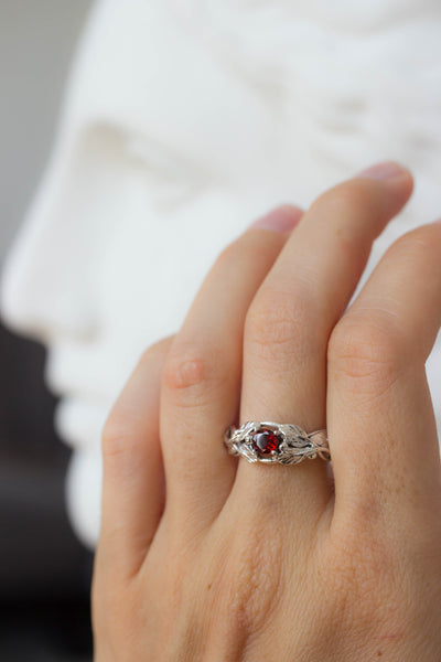 Garnet engagement ring, leaves band / Tilia small - Eden Garden Jewelry