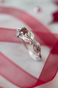 Garnet engagement ring, leaves band / Cornus, round faceted - Eden Garden Jewelry