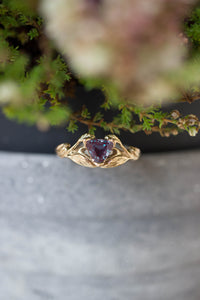 Trillion cut alexandrite ring / Clematis