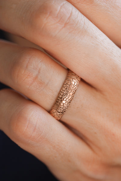 Wedding bands set for couple, reptile skin textured rings - Eden Garden Jewelry