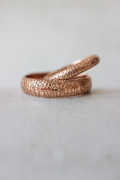 Reptile skin ring, 3 mm wedding band for woman - Eden Garden Jewelry™