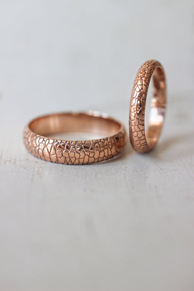 Reptile skin ring, 3 mm wedding band for woman - Eden Garden Jewelry