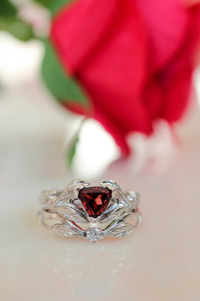 Nature inspired engagement ring set with garnet and diamond / Clematis - Eden Garden Jewelry
