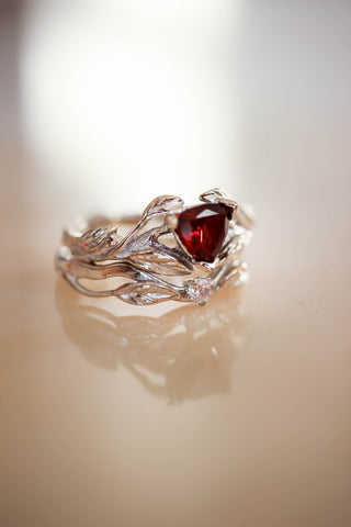 Nature inspired engagement ring set with garnet and diamond / Clematis - Eden Garden Jewelry™