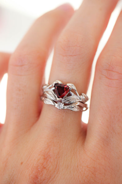 Nature inspired engagement ring set with garnet and diamond / Clematis