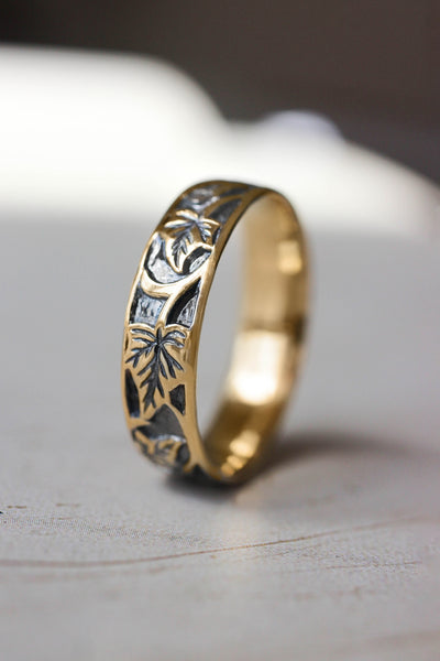 Black and gold wedding band for man, ivy leaves ring