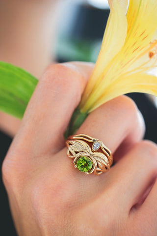 Bridal ring set with peridot and cubic zirconia / Aurelia - Eden Garden Jewelry