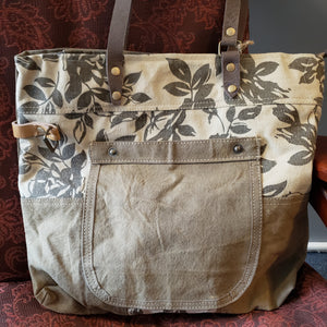 Floral canvas tote bag with pocket