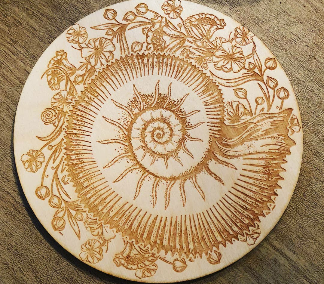 Ammonite crystal grid