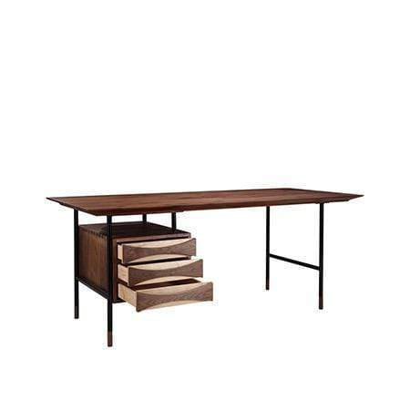 Vista Desk  -  Desks