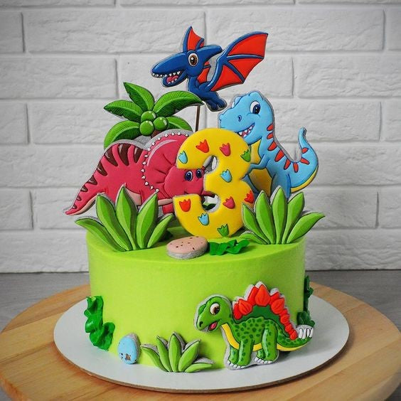 gateau anniversaire-dinosaure t rex triceratops pterodactyle