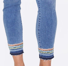 Load image into Gallery viewer, Ami Skinny Ankle Jeans
