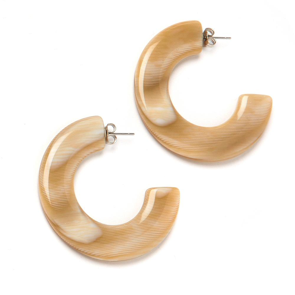 Gia Resin Earring Camel