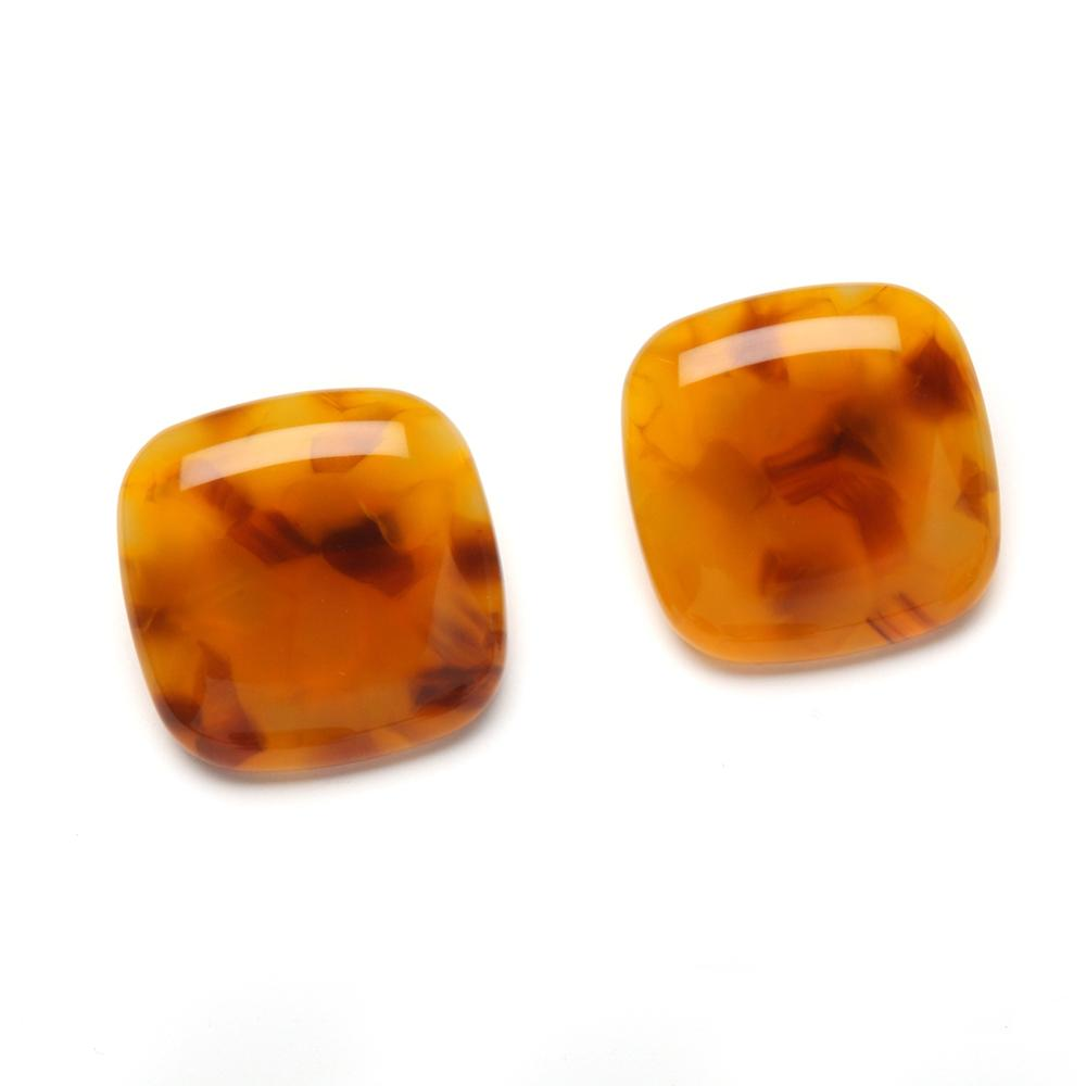 Lara Resin Clip Earring Honey