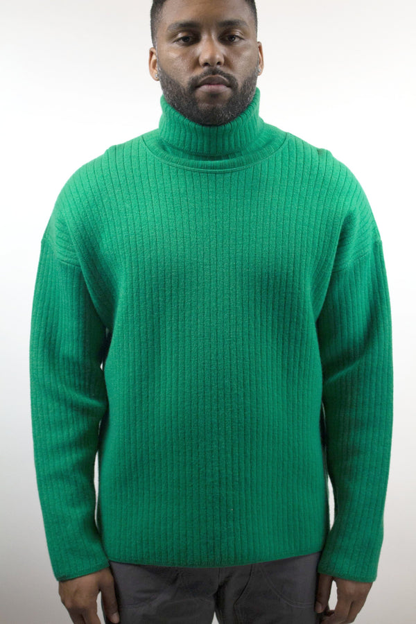 AMI Oversize Turtleneck Ribbed Sweater