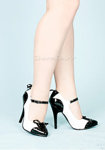 Mary Janes bow accents and contrasting heel