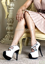 Load image into Gallery viewer, White Pin Up Secretary Heels