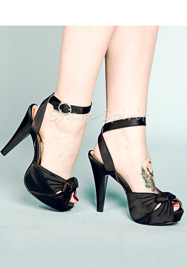Rockabilly Black Ankle Wrap Sandals
