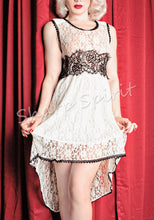Load image into Gallery viewer, Juliet Loves Romeo Lace Dress