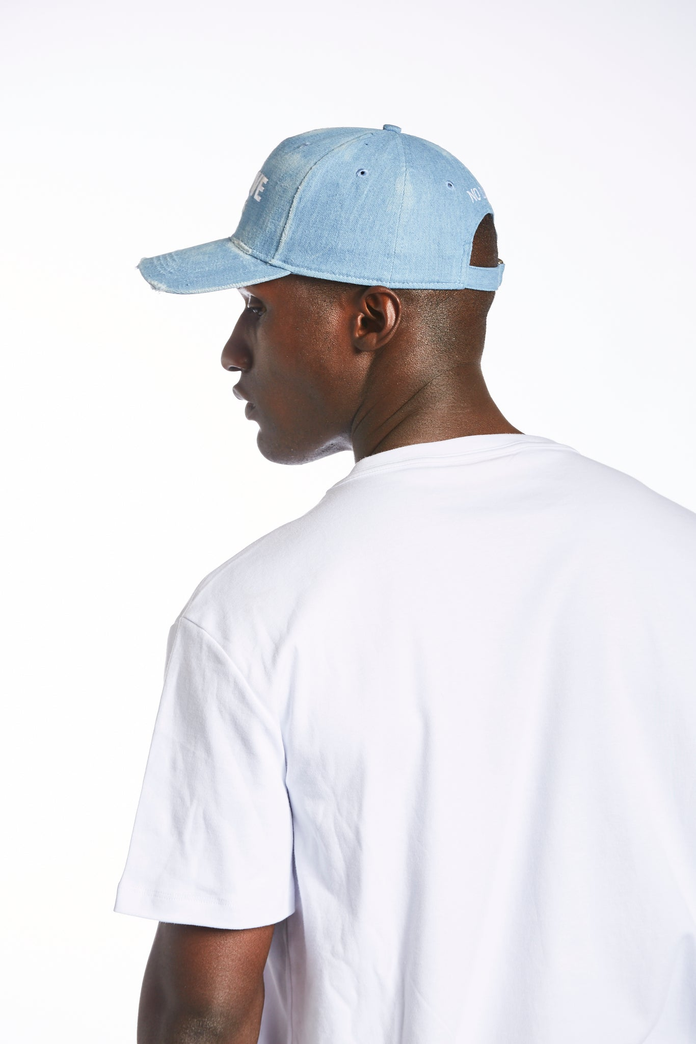 JEANS CAP DISTRESSED