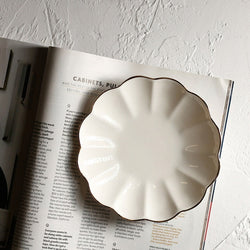 Ceramic Petal Shaped Storage Plate