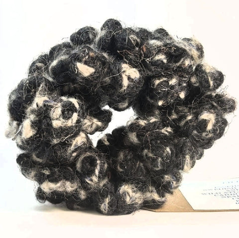Scrunchy in Black and Grey, By Lilla.