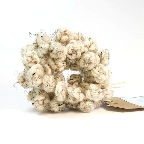 Scrunchy in Cream Wool, By Lilla.