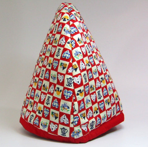 Padded Tea Cosy. Red and Cream, JaDa Crafts Ireland - Parade Handmade