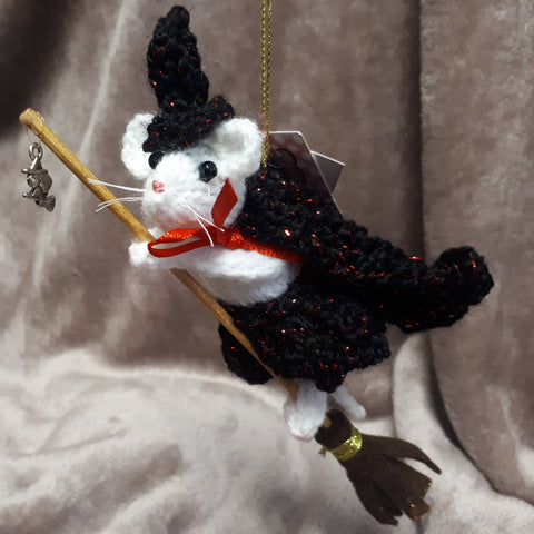 Witchy Little Flying Mouse, By Ditsy Designs (Alan Dart Pattern) - Parade Handmade