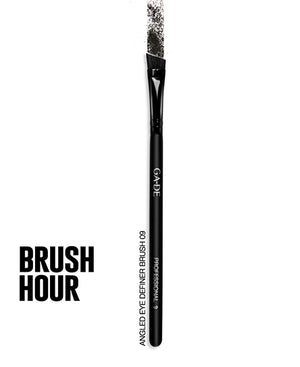 ANGLED EYE DEFINER BRUSH #09