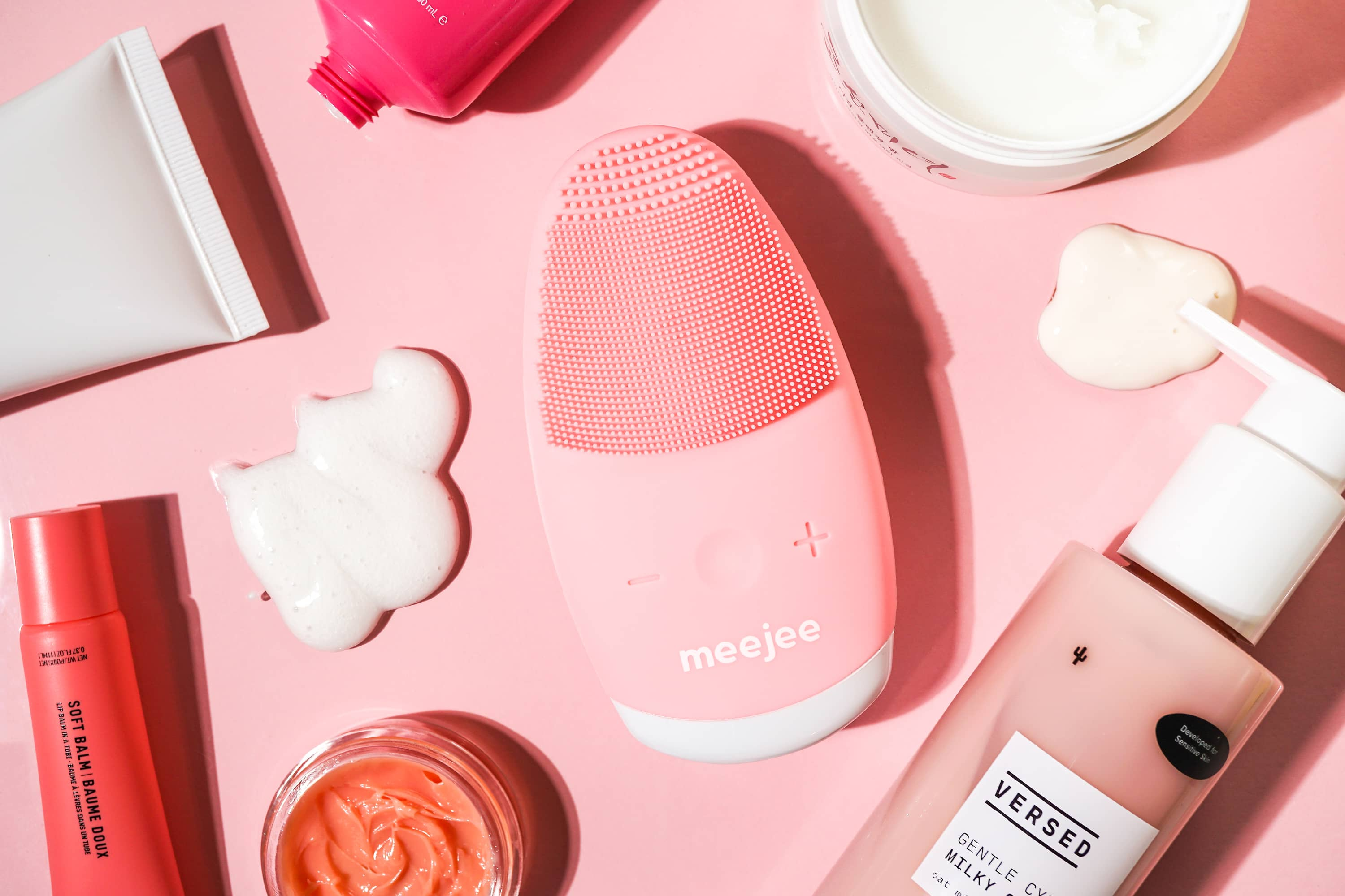 silicone-facial-massager-skincare-products