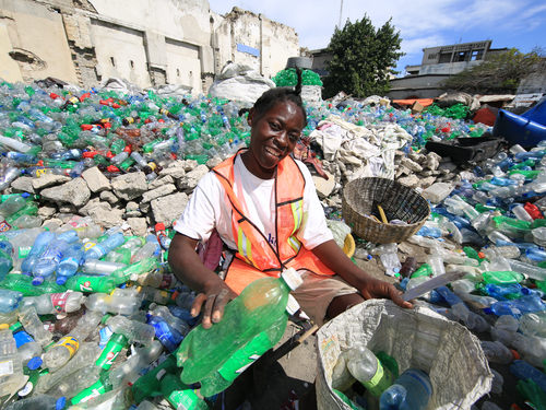 Meejee has partnered with Plastic Bank to reduce, recycle plastic waste and provide jobs